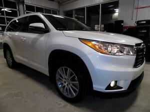 2015 Toyota HIGHLANDER XLE AWD DEMO