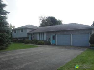 $429,900 - Split Level for sale in Mount Forest