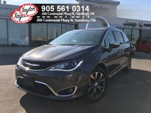2017 Chrysler Pacifica Limited V6 w/Navi, Sunroof, Safety Tech