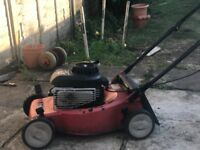 lawnmower briggs & stratton 450 series.148cc and 40 cm with the grass box(basket) unit.
