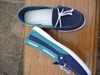 Ladies Deck Shoes 5.5