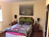 Double room with private bathroom for rent !! In new house build (CRANFORD,HEATHROW)