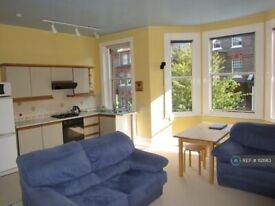 1 bedroom flat in Hampstead, London, NW3 (1 bed) (#1121913)