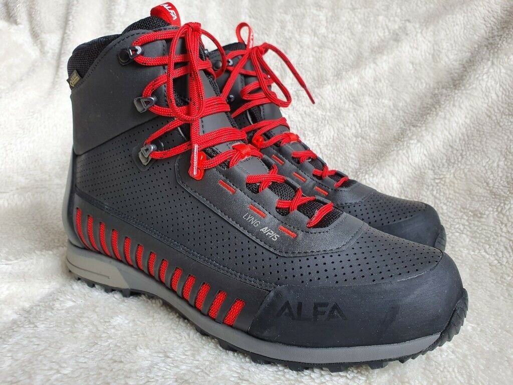 348d5cd6708 ALFA LYNG A/P/S waterproof premium hiking boots men *Sz.11* goretex *Bnwt*  | in Arlesey, Bedfordshire | Gumtree