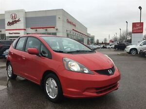 2011 Honda Fit LX | 5 SPEED | CLEAN CARPROOF | A/C |