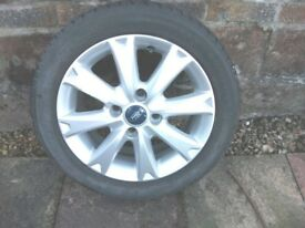 Ford 15 inch Alloy wheel with Michelin 195/50 R15 tyre