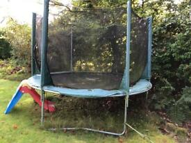 Trampoline (plum products 10ft)