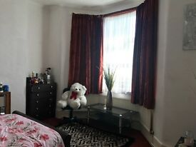 A nice and tidy double room to rent in Eastham including Bills £550 pm