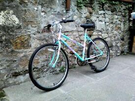 RALEIGH CAMARO TURQUOISE GIRL/LADIES BICYCLE.