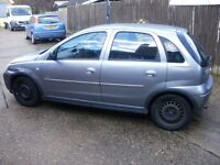 2003 VAUXHALL CORSA DESIGN 16V SILVER SELLING AS SPARES OR REPAIRS