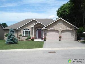 $389,000 - Bungalow for sale in Wingham