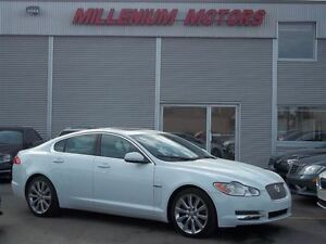2011 Jaguar XF LUXURY / NAVI / LEATHER/ SUNROOF/ ONLY 29,000 KM