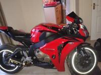 cbr 1000 rr fireblade 2009 only 9k miles look (r1 gsxr ninja zxr)