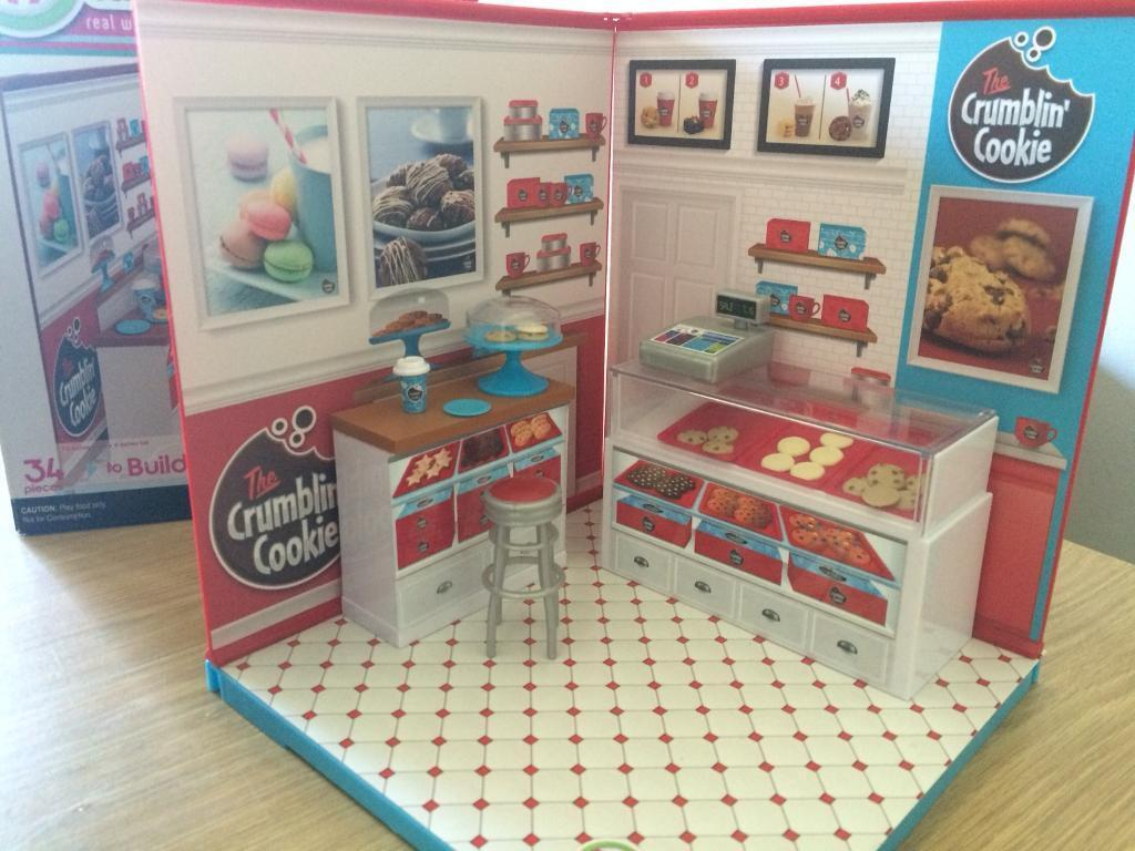 Claires accessories and cookie shop