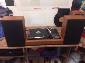 BOOTS AUDIO 4000 TURNTABLE WITH SPEAKERS