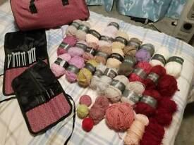 Knitting bag and wool