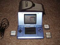 NINTENDO DS IN MINT CONDITION