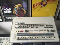 ROLAND TR 909 DRUM COMPOSER great condition !