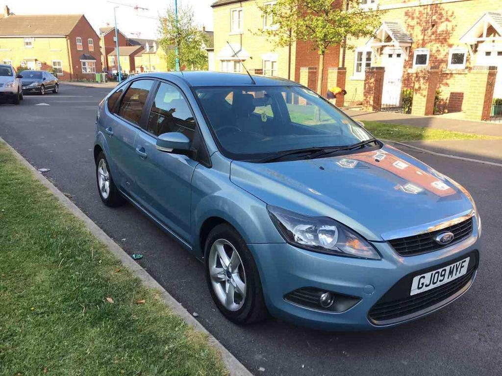 ford focus zetec 1 6 petrol 2009 low mileage in sandwell. Black Bedroom Furniture Sets. Home Design Ideas
