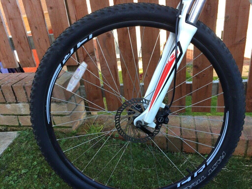Immaculate specialized mountain bike