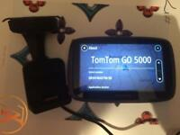 tom tom go 5000 5 inch screen complete with mount all europe maps