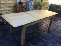 Large Solid Oak Extending Dining Table, New / Unused