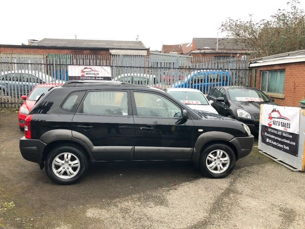 Hyundai Tucson 2L CRTD CDX 2 and 4 Wheel drive. will come with 12 months MOT, FSH