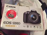 Full photography kit, camera 2 lenses, memory cards, bag, instruction manual