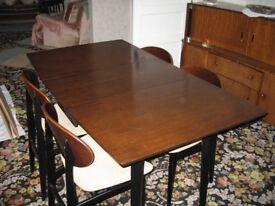 Dining Table with 4 chairs and Matching sidebooard