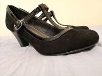 Bargain!! Ladies Black Suede & Patent Trim Shoes