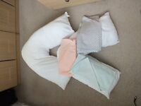 Pair of V Shaped Pillows & Pillow Cases