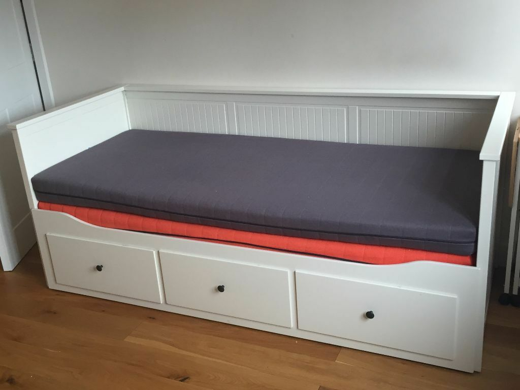 Ikea hemnes daybed with 2 x sultan mattresses in for Hemnes daybed ikea