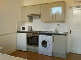 Recently Renovated 3rd Floor Modern Studio in Harring Gdns, South Ken SW7