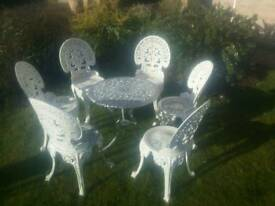 Lovely cast metal garden set, 6 seats, table