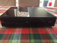 Xbox one 500gb, 1 controller with audio adapter