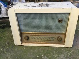 Valve operated radio, old