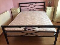 "BLACK METAL DOUBLE BED & DOUBLE MATTRESS (4ft6"")"