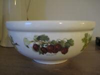 pair of Portmeirion Pomona design bowls - undamaged