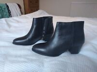 Black ankle boots size 38/ size 4-5