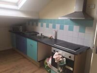 2 Bedroom House to Share - very close to Bradford University BD7