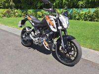 KTM 125 Duke *** Like New *** Only 550 miles.