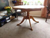 Farmhouse Circular Extending Pine Table