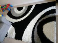 Beautiful Black & White Spiral Shaggy Rug
