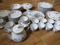 VINTAGE CROCKERY SET - PLATES / TEA CUPS - JOB LOT! APPROX 80 PIECES HAND PAINTED