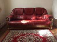 3 SEATER RED LEATHER / WOOD FRAME SETTEE
