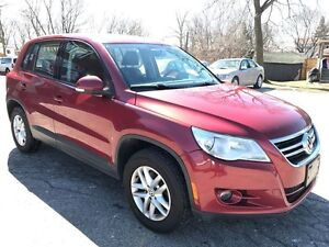 2010 Volkswagen Tiguan ONE OWNER/NO ACCIDENT/SAFETY/WARRANTY INC