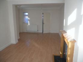 Sundon Park, Luton 2 double bedroom house to rent/let in great condition, parking, gdn, 2 min shops