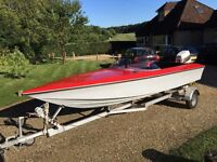 18 foot Speed Boat 70hp Johnson Outboard Recently Refurbished Immaculate