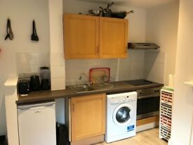 Top floor one bedroom flat guildford