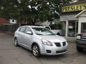 2010 Pontiac Vibe 4CYL, FWD, keyless, p/w p/l onstar, cruise, a/